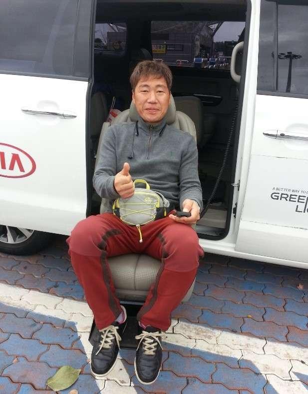 초록여행 기아자동차의 옵션 중 편리한 타고 내리기 시범